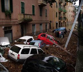 1024px-Alluvione_sestri_ponente_ottobre_2010_-_04