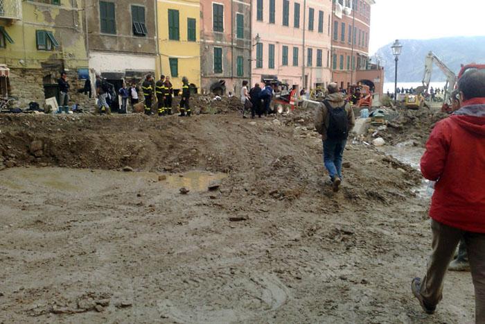 25/10/2011 - Lunigiana e Cinque Terre - 13 MORTI