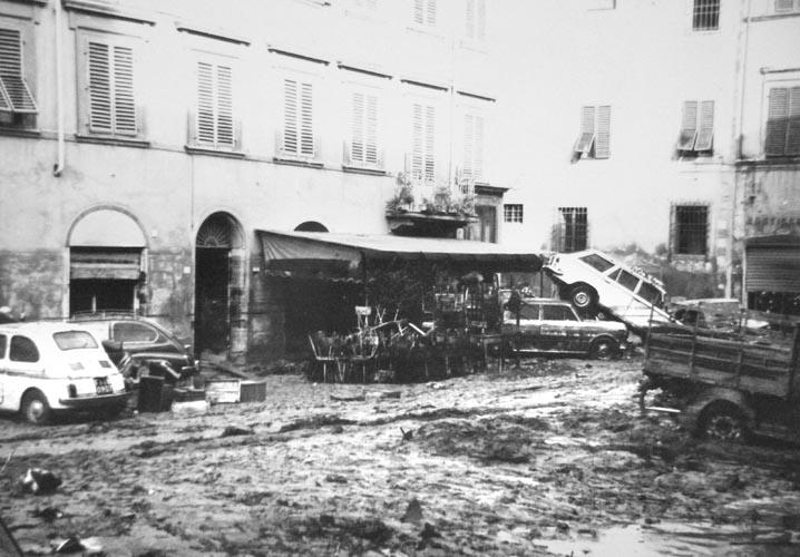 Piazza del Carmine-2