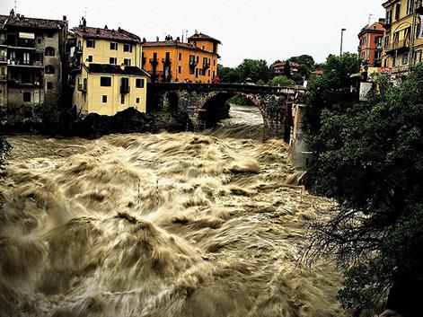 Il rischio geo idrologico in italia for Case logic italia